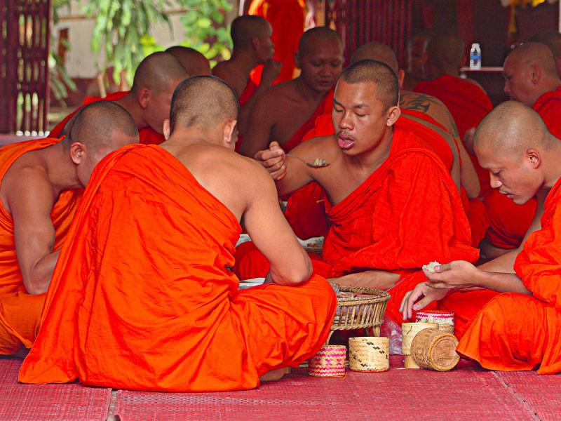 Escuela de monjes en Pakse