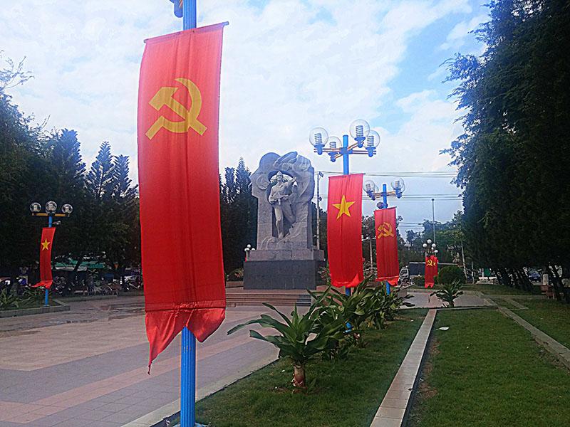 A pesar de la cantidad de banderas comunistas que hay repartidas por todo el país, Vietnam es marcadamente capitalista