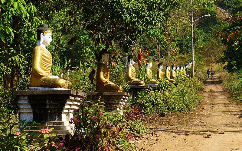 figuras de Buda en Hpa-An